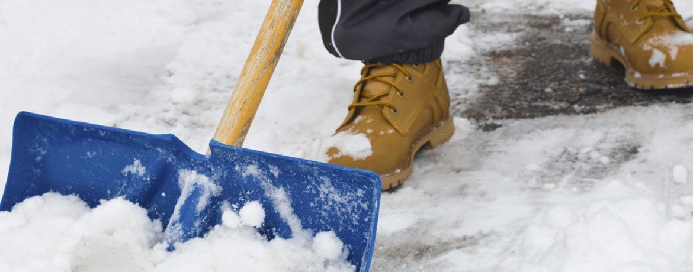 hóeltakarítás, csúszásmentesítés